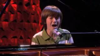 Greyson chance sings paparazzi live on ...