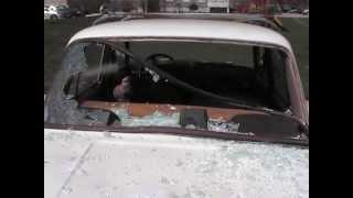 Старенькую машину члена КПРФ разбили.