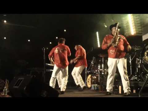 Alacranes Musical En The Ritz,NC Donde Estas