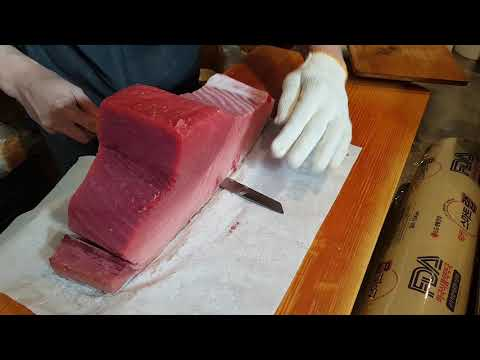 생 참다랑어 (本マグロ) 뱃살 블럭 손질 영상 Thunnus orientalis SASHIMI