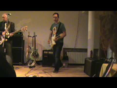 WEM DOMINATOR 3 at a gig! Solo from 3.25 great amp (ok the solo is desperate!)