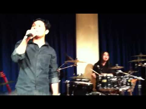 'Sempurna' by Andra & The Backbone feat. Ari Lasso - Melbourne 2012