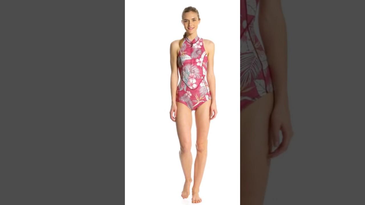 3f31d6849e Billabong Women s 1mm Surf Capsule Sleeveless Chest Zip Spring Suit Wetsuit