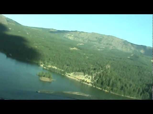 Landing at Tieton State Airport on Rimrock lake (short version)