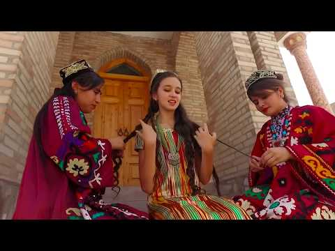Русская  красивая девушка поёт про Таджикистан Душанбе