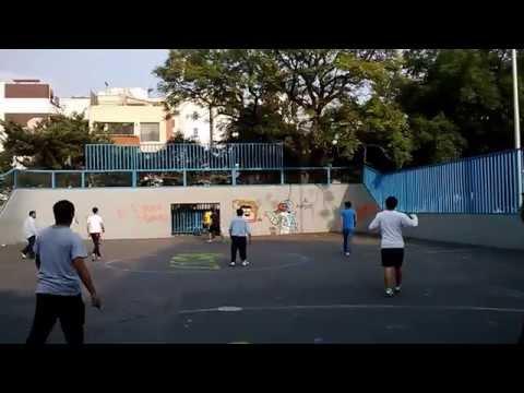 Retas de futbol callejero