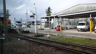 富山地方鉄道ダブルデッカー階下席からの車窓