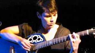 2/16 Kaki King - Holding The Severed Self @ Festival delle Colline, Carmignano, Italy (09/07/2012)