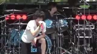 ONE OK ROCK - Mikansei Koukyoukyoku ( 未完成交響曲 live)