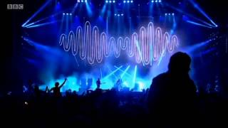 Arctic Monkeys - No. 1 Party Anthem live @ Reading Festival 2014