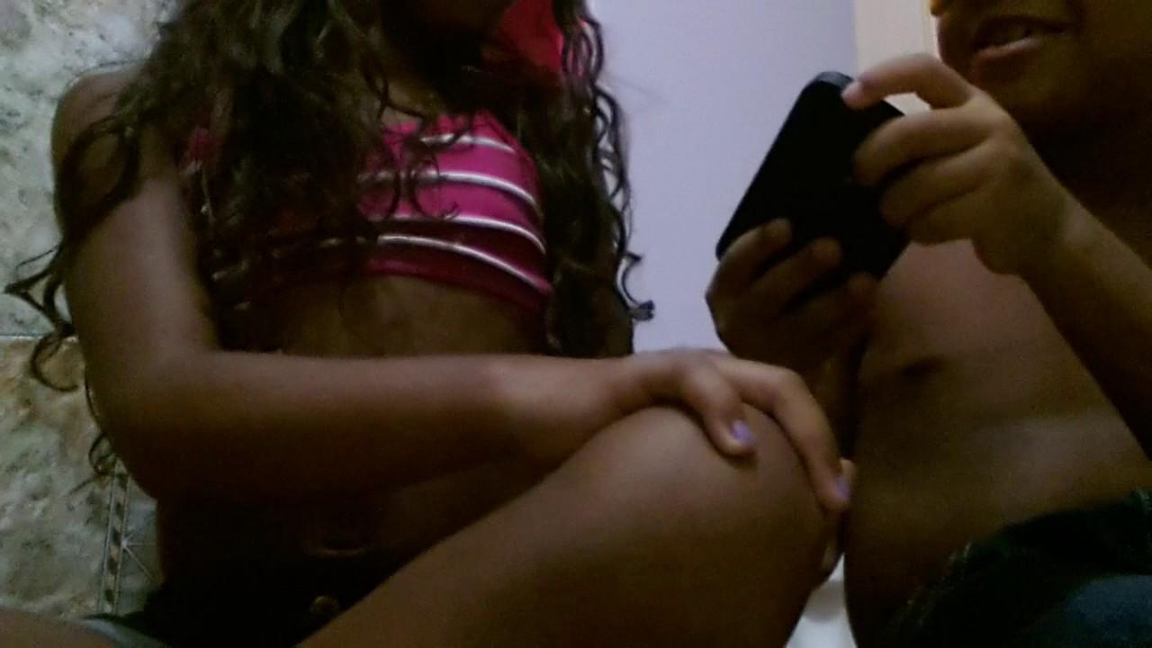 Primo e prima brincando de oque tem na minha mão ♡♡ ♥♥