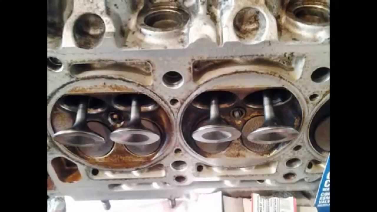 Замена сальников клапанов  маслосъемных колпачков  , клапанов , прокладки ГБЦ M111