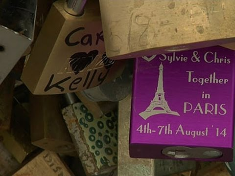 Travelers Get No Love for Locks on Paris Bridges