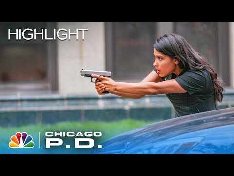 We've Got A Runner! - Chicago PD (Episode Highlight)