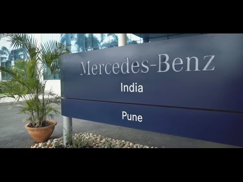 Chief Minister, Shri Devendra Fadnavis inaugurates the new Mercedes-Benz production facility.