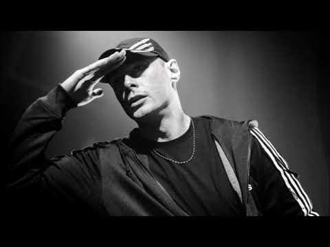 Fabri Fibra - Troppo di tutto from YouTube · Duration:  3 minutes 59 seconds