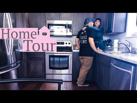 OUR FIRST SMALL HOUSE TOUR!!
