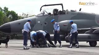 Pesawat Asing Dipaksa Turun Oleh 2 Jet Tempur TNI AU di Lanud Rsn Pekanbaru