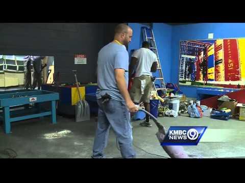 Volunteers help give makeover to Wonderscope Children's Museum