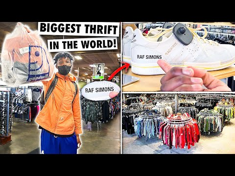 Shopping At The WORLD'S BIGGEST THRIFT STORE!