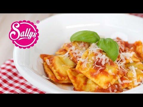 Spinat-Ricotta-Ravioli in Tomatensoße / Was koche ich heute? / Sallys Welt