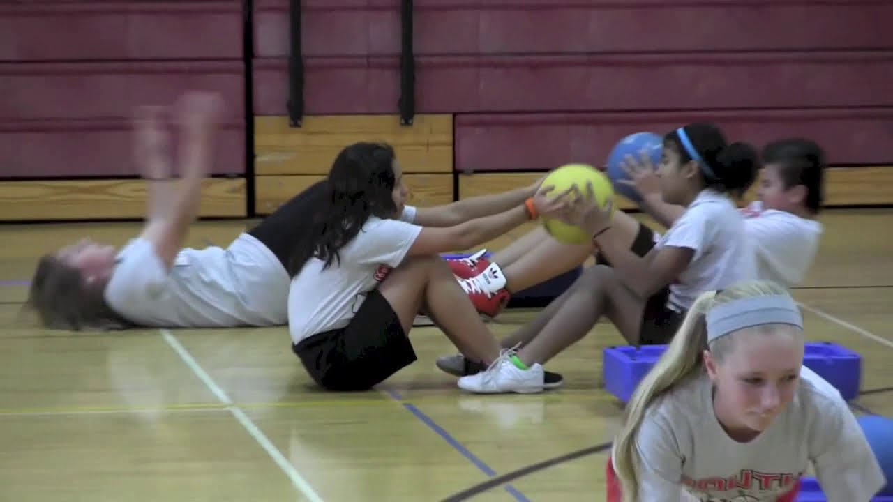 South Middle School Students @ A PE Fitness Day - YouTube