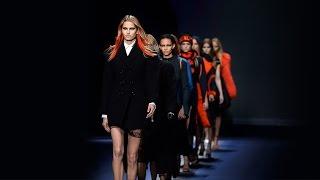 Versace Women S Fall Winter 2017 Fashion Show