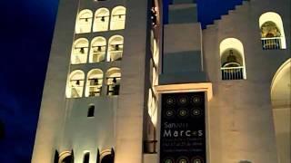 25. チアパス州の州都Tuxtla Gutierrez市の大聖堂の鐘楼の12使徒の行列