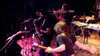 Frank Zappa: Roxy The Movie - T'Mershi Duween