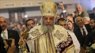 شاهد ..البابا تواضروس يتبرع بجائزة