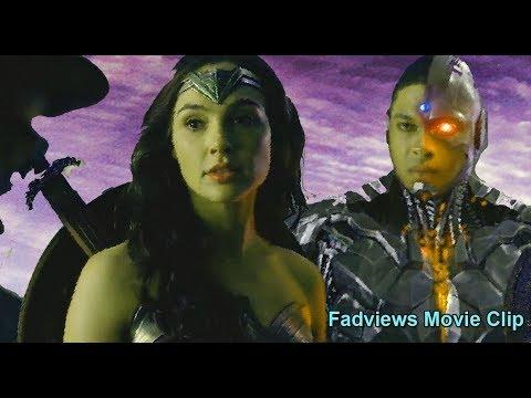 Justice League movie scene: Gordon meets Batman Wonder Woman Flash Cyborg