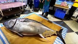 $70000 GIANT BLUEFIN TUNA cutting for Sashimi  Taiwan seafood