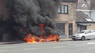 Grand incendie fayt les manage voiture qui a brûle entièrement 😱😰🚒🚘