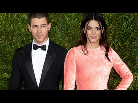 who is nick jonas dating right now