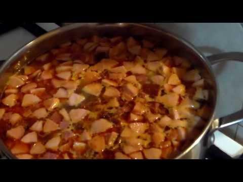Солянка мясная с вялеными помидорами и маслинами