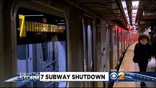 7-Train Service Comes To Grinding Halt