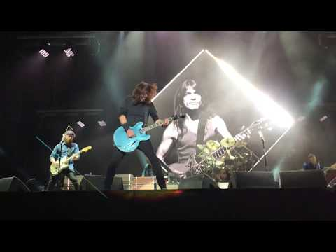 Foo Fighters - Let There Be Rock (ACDC cover) - Corona Capital 2017 CDMX México.