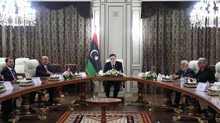 ليبيا: قصف قاعدة \