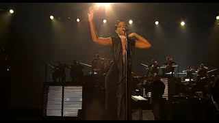 rihanna performed diamonds live on american music awards 2013