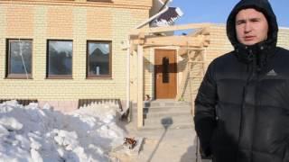 Строительство крыльца из дерева к дому(Строительство крыльца из дерева к дому в коттеджном поселке в с.Бобровка. наш сайт: http://stroimdoma22.ru/ Все крыльц..., 2017-01-22T14:20:59.000Z)