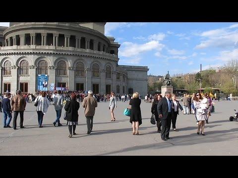 Yerevan, 16.04.17, Su, Video-2, (на рус.), У Оперы