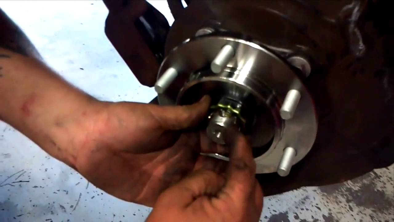 2005 toyota camry front wheel bearing replacement
