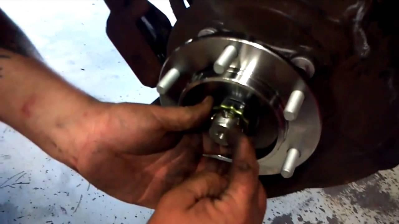 Bluepitbearings  Install front wheel bearing hub