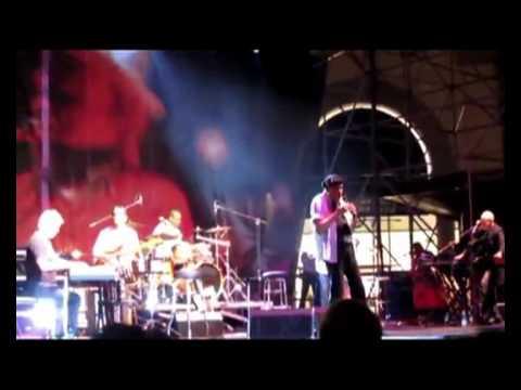 "Free Download Al Jarreau ""double Face"" - Greatest Hits Tour 2011 Serravalle  Italy (deodato Al Jarreau Nicolosi) Mp3 dan Mp4"