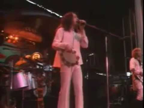 Yes Live @ Queens Park Rangers Football British Soccer Club, 1975  Part 1 of 2