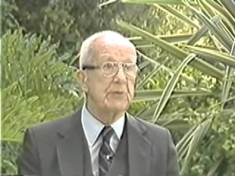 Buckminster Fuller on an Economic System Based on Abundance not Scarcity