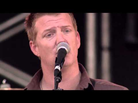 Queens of the Stone Age - No One Knows (Live Lollapalooza Chile 2013)