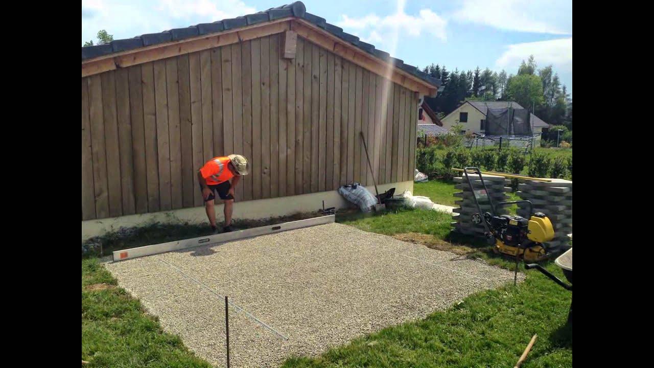 Pose de dalles pour maisonnettes et cabanes de jardin  YouTube