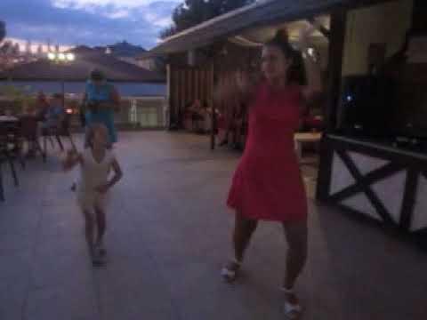 Танцы под песни \