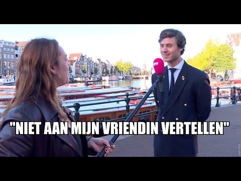 PowNed-reporter pikt schipper op bij botenprotest Amsterdam